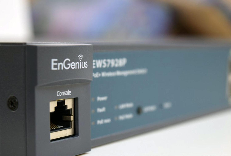 بررسی سوییچ EnGenius EWS7928P؛ احاطه بر ارتباطات شبکه