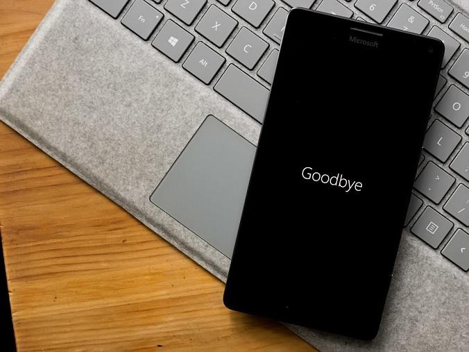 مایکروسافت زمان پایان رسمی کار ویندوز 10 موبایل را اعلام کرد؛ بروید سراغ اندروید و iOS