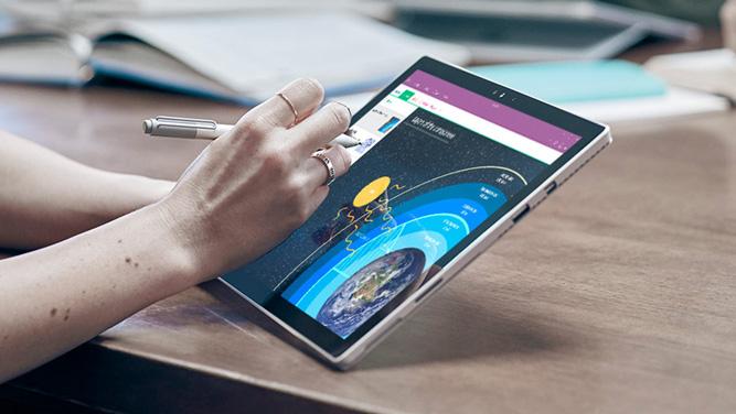 تبلت ۴۰۰ دلاری مایکروسافت برای رقابت با iPadهای اپل عرضه می شود