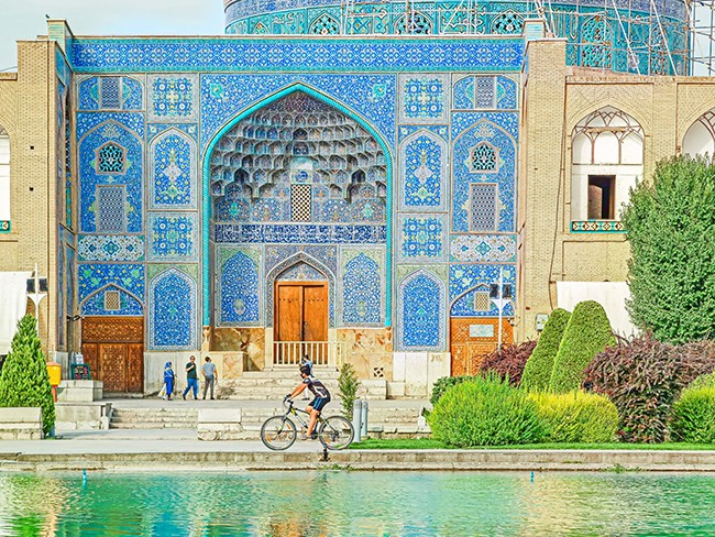 mosque1-s.jpg