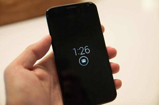 MotoX-display.jpg